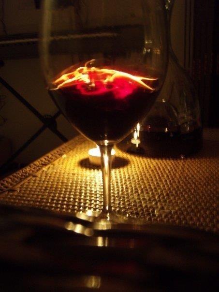 """Senas """"liepsnojančio"""" karšto vyno receptas"""