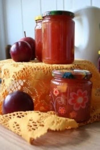 Kriaušių džemas su slyvomis ir obuoliais