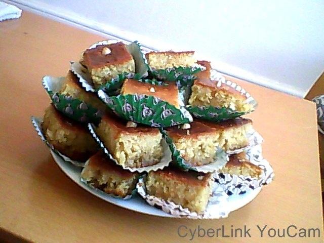 Alžyrietiškas manų pyragas su sirupu (basboussa)
