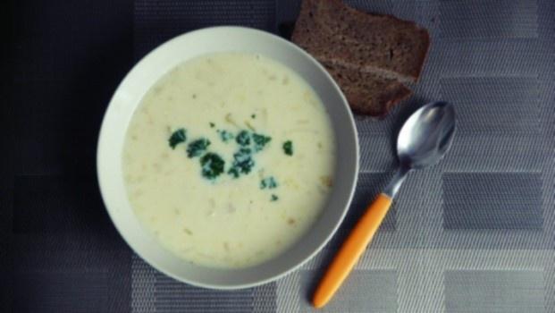 Tiršta vištienos sriuba su kukurūzais