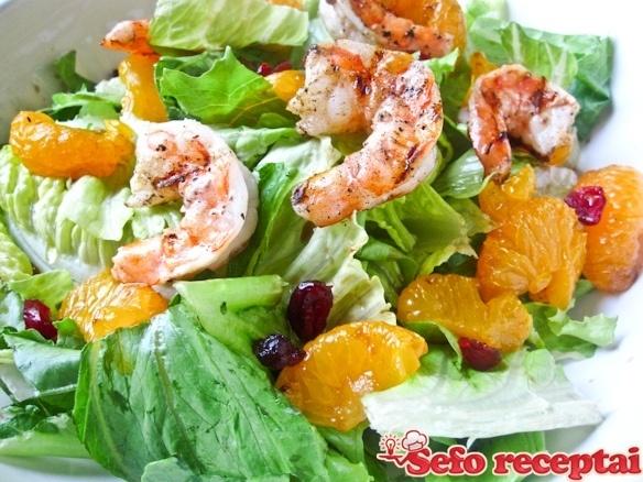Krevečių ir apelsinų salotos