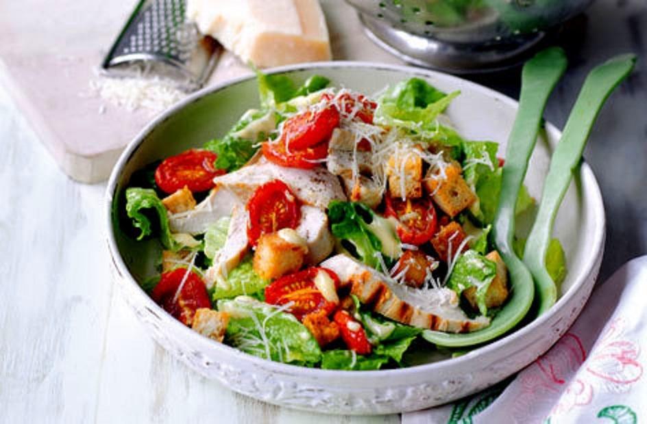 Receptas - salotos su karšta vištiena