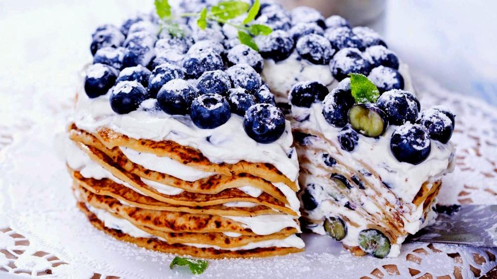 Blynų tortas su šilauogėmis ir maskarpone