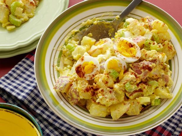 Senovinės bulvių salotos
