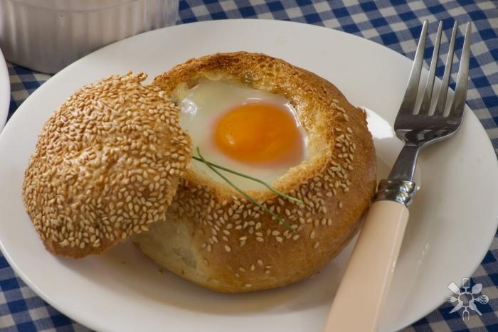 Pusryčių bandelė su kiaušiniu