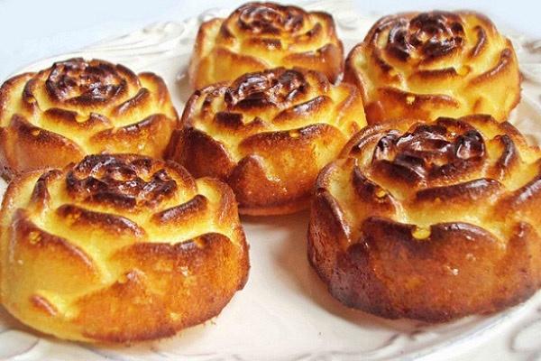 Varškės pyragėliai