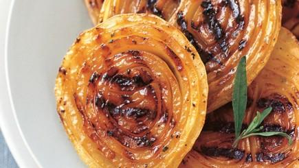 Garstyčių ir medaus padaže glazūruoti svogūnai