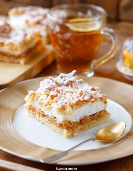 Karališkas obuolių pyragas
