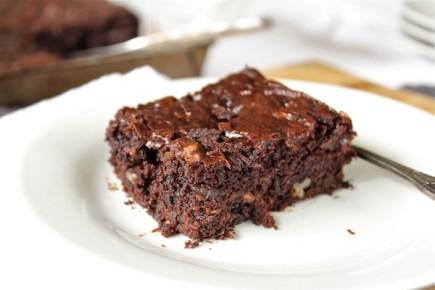 """Šokoladinis keksas """"Brownie"""" su cukinijomis"""