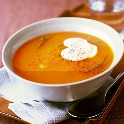 Trinta morkų ir bulvių sriuba