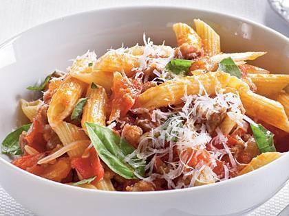 Makaronai su pomidorais ir Parmezano sūriu