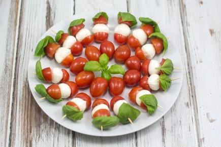 Pomidorų ir Mocarelos vėrinukai