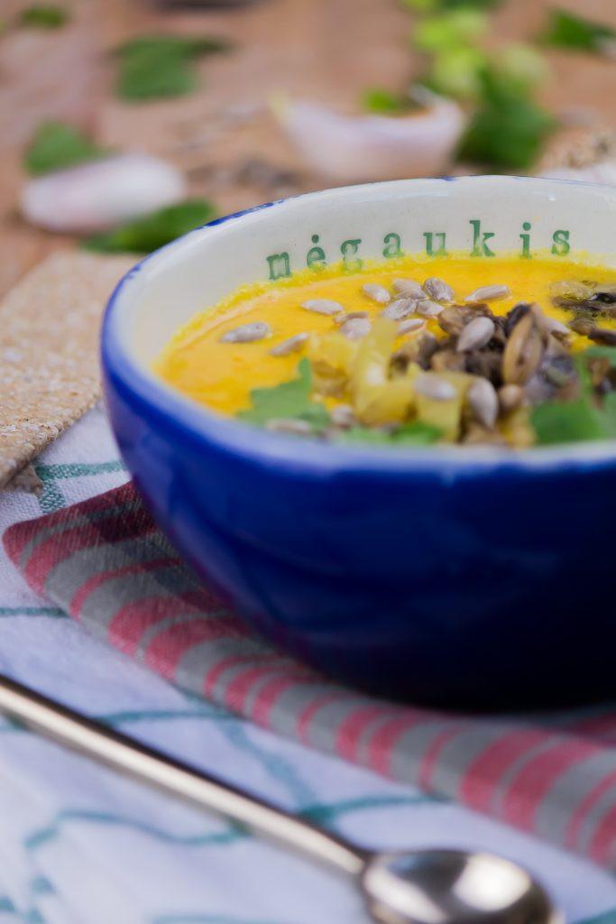 Trinta žiedinių kopūstų ir morkų sriuba